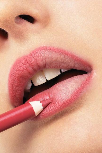 matita-contorno-labbra